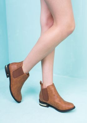 Catherine Brown Cleated Elastic Pull On Boot